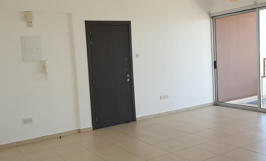 FOR SALE TOP FLOOR  ONE BEDROOM APARTMENT IN ARADIPPOU/LARNACA
