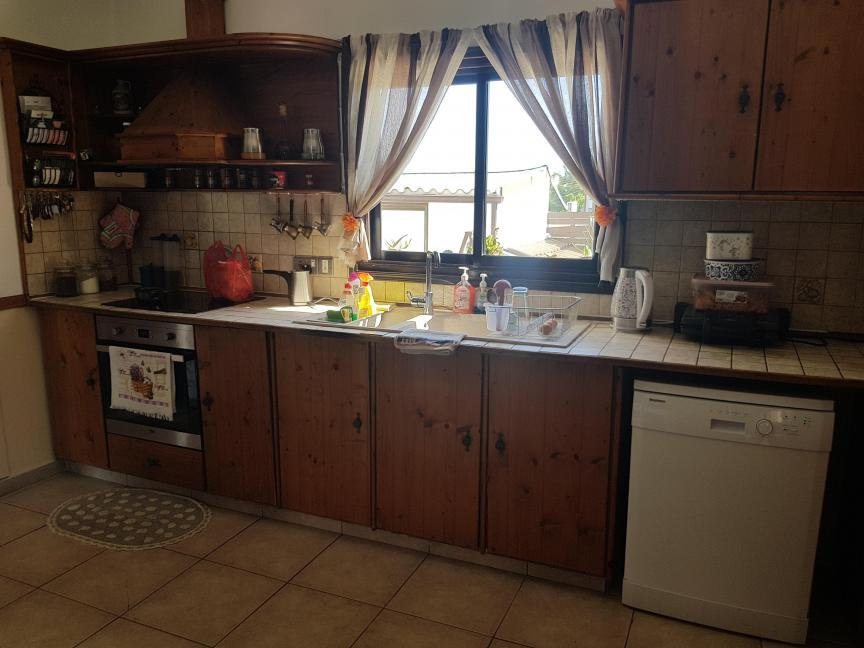 FOR SALE THREE BEDROOM BUNGALOW IN ARADIPPOU/LARNACA