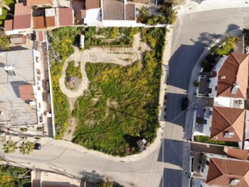 FOR SALE RESIDENTIAL LAND IN ARADIPPOU/LARNACA